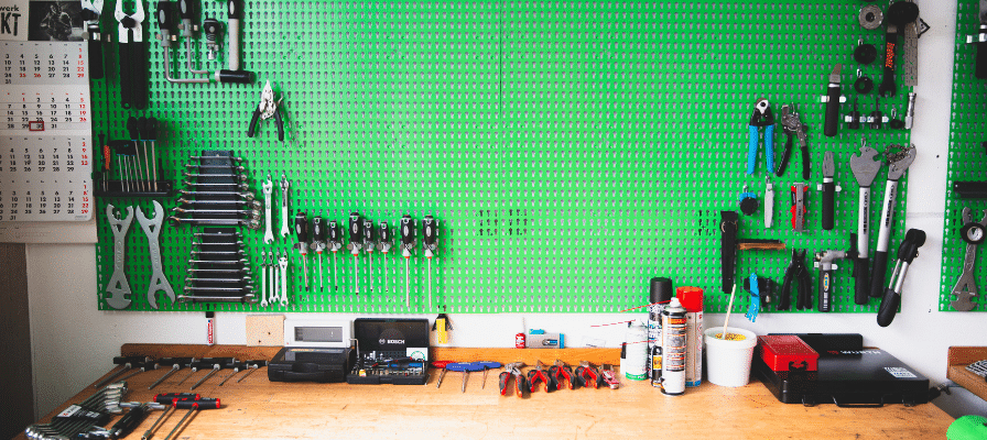 Werkzeug in einer e-Bike Werkstatt